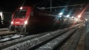zastavený vlak ÖBB v Breneru