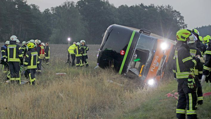 nehoda na A24 autobusu Flixbus