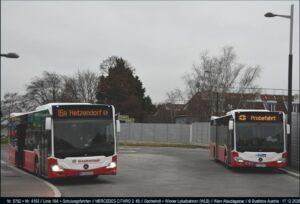 Setkání dopravců WLB a Gschwindl ve smyčce linky 16A Alaudagasse ve Vídni