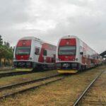 Čištění vlaků v Nových Zámcích probíhalo převážně pod širým nebem, ale nové středisko Thu tyto služby zastřeší a skomfortní tak práci zaměstnanců ZSSK.